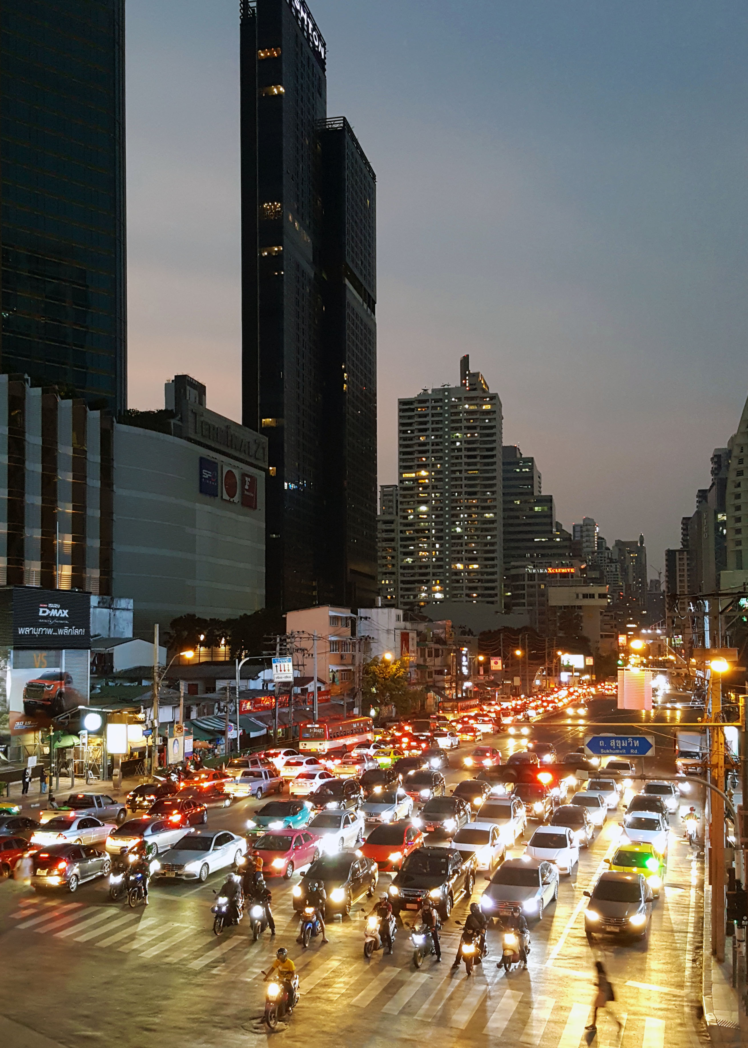 Rush hour at Asok street, Bangkok