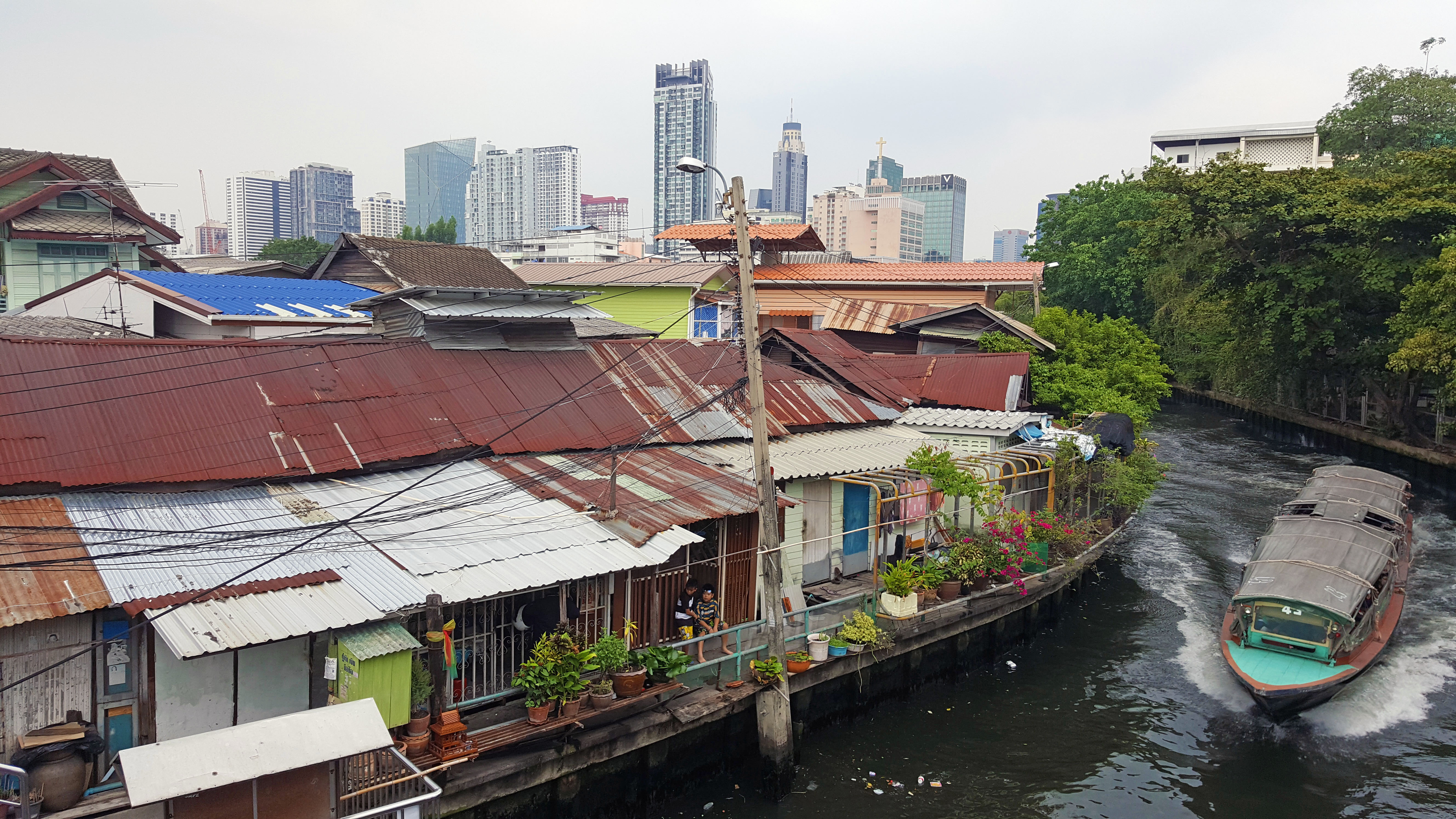 Contrast of old and new buildings, Bangkok